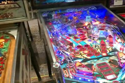 Around Town visits the 34th Annual Pinball Expo | WGN-TV