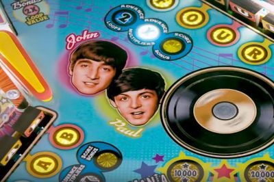 This Beatles Pinball machine took a decade to be produced • GEEKSPIN