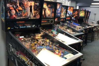 [Chicago] Rare Horror Pinball Machines Line Galloping Ghost's New Arcade! - Bloody Disgusting