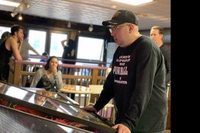 Beaver County teen retains title of Pennsylvania's pinball champion | TribLIVE.com